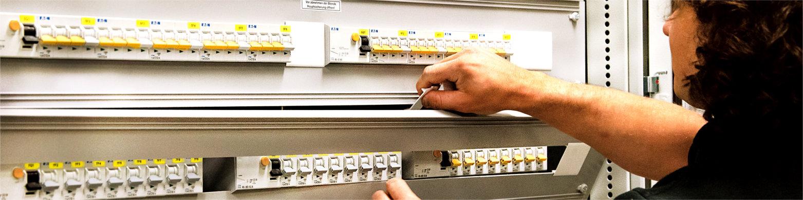 Elektroinstallation_Oberklammer